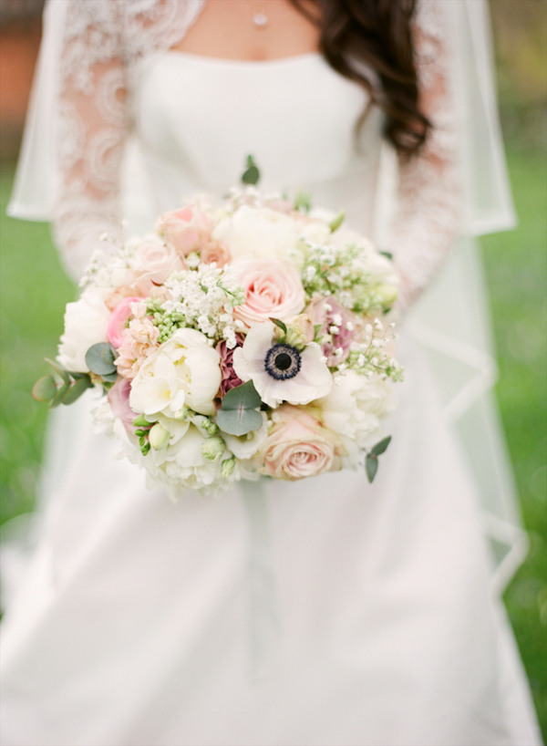 Pink-and-White-Bridal-Bouquet-600x818