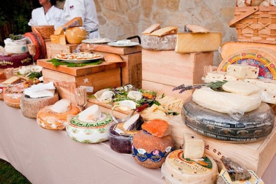 wedding+cheese+table