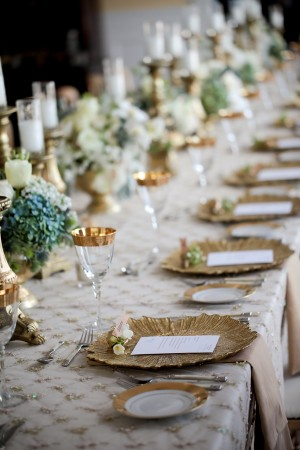 Gold-and-Ivory-Tablescape-300x450